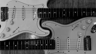 Fender japanとCoolZのストラト